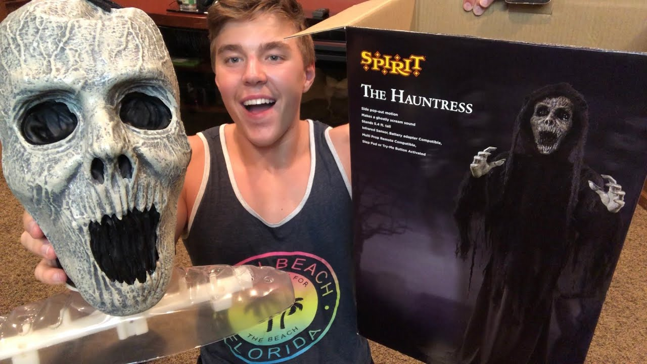 The Hauntress unboxing/setup