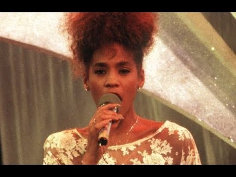 Whitney Houston - Performances That She Sang With Playback