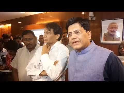 Suresh Prabhu gets emotional while handing over charge of Rail Ministry to Piyush Goel