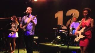LOS LAGOS DE HINAULT - (María del) Mar Rojo (directo @12&Medio, Murcia, 15-5-2015)