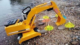 Большие рабочие машинки: Экскаватор на пляже thumbnail