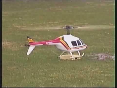 Paaseitjes droppen met modelvliegtuigjes en helicopters