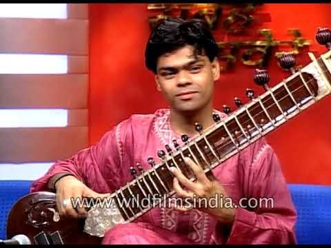 Murad Ali on 'Sarangi' and Fateh Ali on 'Sitar' : Indian classical musicians