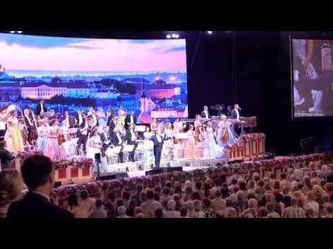 André Rieu paneb eestlased laulma (Saaremaa valss)