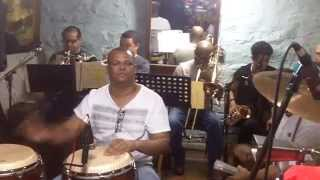 HOLA SOLEDAD BY KING BANDA....ENSAYO MODE