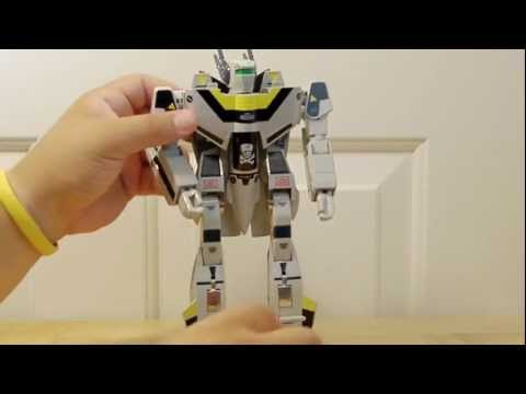 ROBOTECH (MACROSS) Veritech Fighters. Toy review