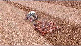 FENDT 939 et HORSCH terrano 6 FM à la préparation des terres à maïs