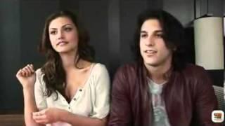 Gambar cover Phoebe Tonkin & Deniz Akdeniz interview