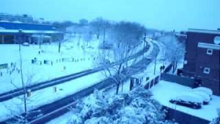Londyn sparaliżowany, śnieg