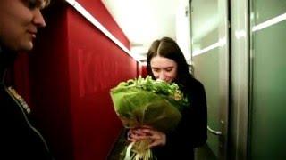 Лучшая доставка цветов по Украине и миру UFL.ua(Доставка цветов, букетов и подарков по Украине, странам СНГ и миру. Заказ цветов в UFL - это качество, сервис..., 2010-03-15T09:38:53.000Z)
