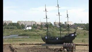 """""""Чёрная жемчужина"""" прочно села на мель - на Набережной Тукая высадились пираты!"""