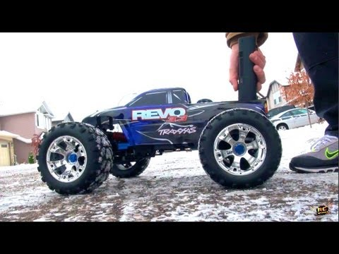 rc adventures traxxas revo 3 3 nitro and gary 39 s garage youtube. Black Bedroom Furniture Sets. Home Design Ideas