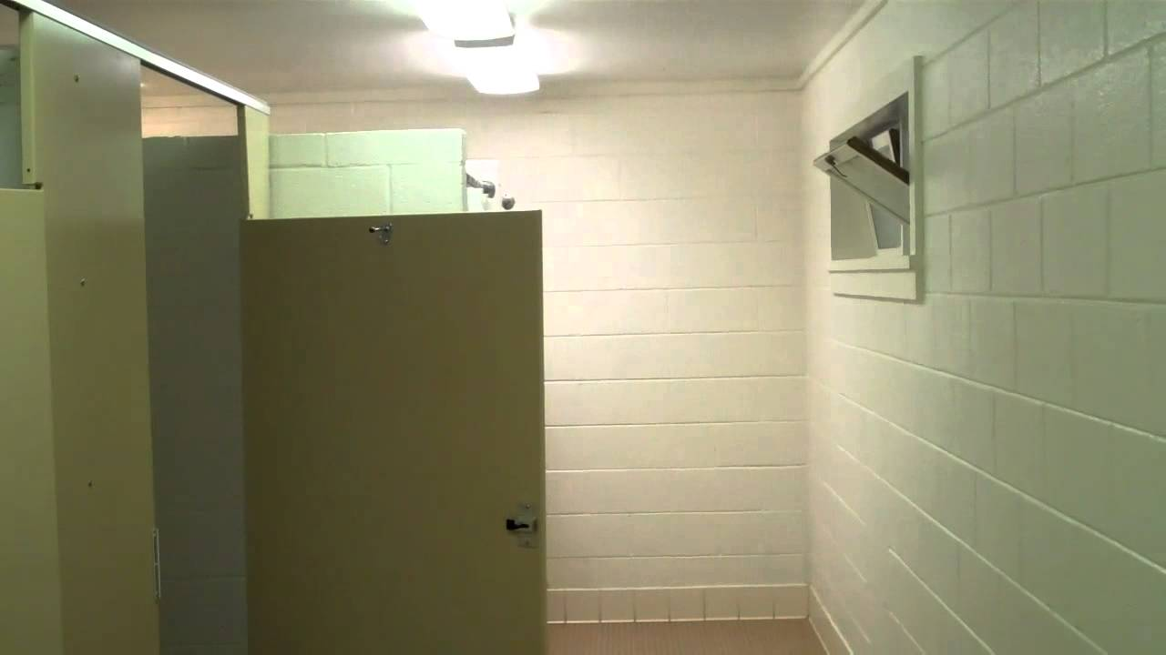 Fancy Automated Bathrooms Showers at Kentucky State Parks Banos ...