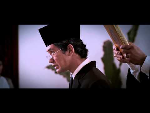 OFFICIAL MOVIE TRAILER - HABIBIE & AINUN (2012)