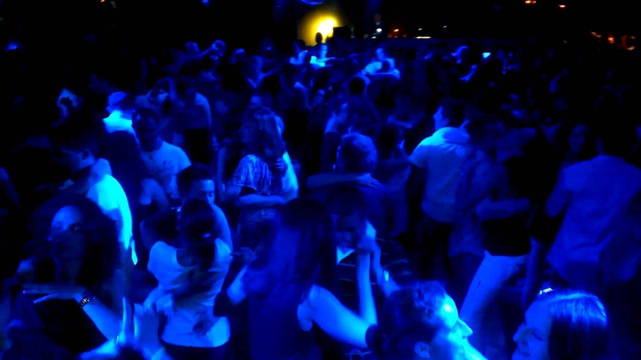En servicio de discoteca espanola follandose a 2 chicas - 5 3