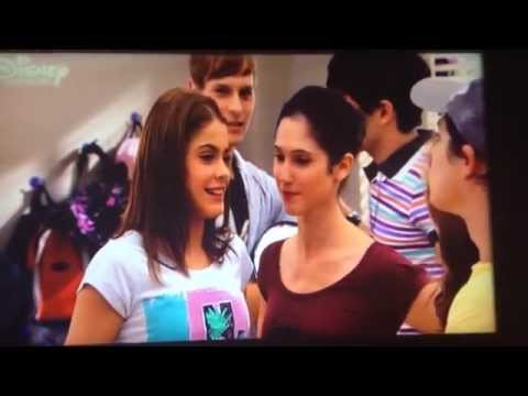 Violetta-Episode 35 Next day in Gregorio's class Violetta tells her friends about her first kiss