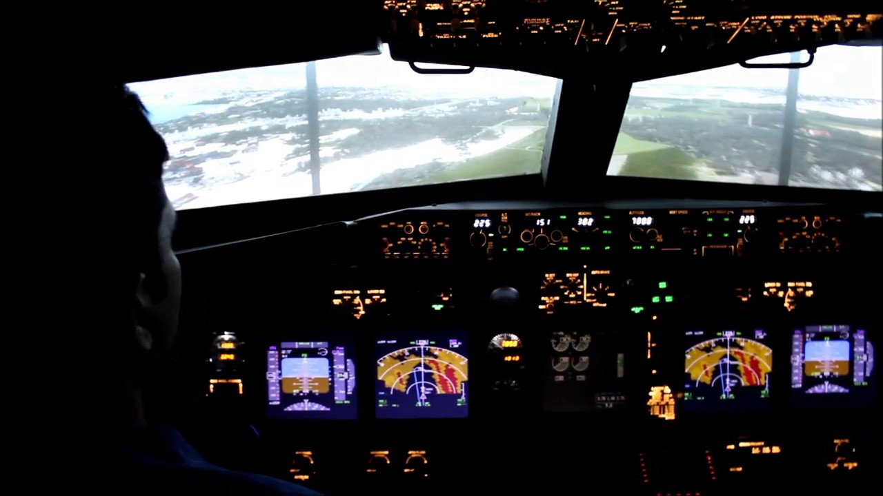 Fixed Base Simulator Boeing 373-800 Experience