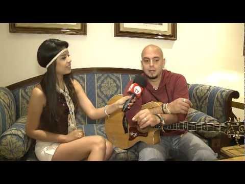 Giss Almeida entrevista al cantante Sie7e en su primera visita a España. Parte 2-3.