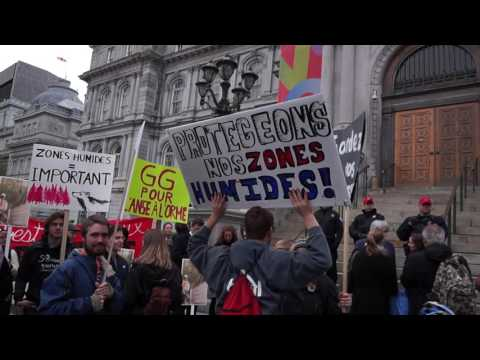 Montreal Environmentalists Protest Outside Montreal City Hall 00081