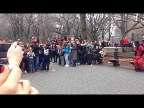 Уличные танцоры-комики, прыжок веры 2, Нью-Йорк