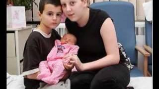 Revelado pai de bebê assumido por inglês de 13 anos