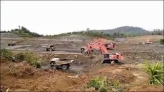Proses penambangan di tambang batubara yang lagi lesu
