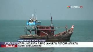 12 Kapal Nelayan Asing Pencuri Ikan Diledakkan