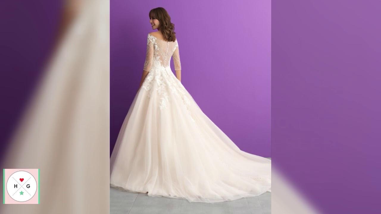 Ana\'s wedding dress in the \