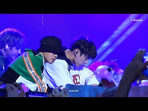 171115 Jimmy Kimmel BTS Outdoor Mini Concert 불타오르네 / 정국 직캠 JUNGKOOK FOCUS
