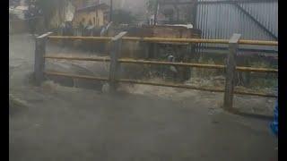 Download Video Diguyur Hujan, Banjir Rendam Permukiman di Bandung MP3 3GP MP4