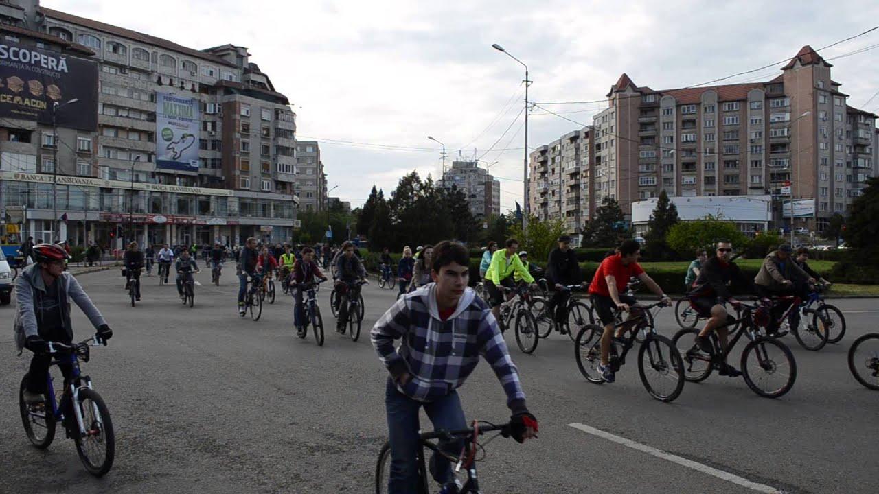Critical Mass Oradea 2014 - Intersectia Bulevardul Dacia cu Bulevardul Decebal