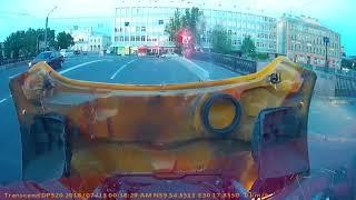 Момент столкновения автобуса мексиканских фанатов и мотоциклиста в Питере