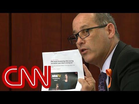 Father of school shooting victim slams NRA video - Dauer: 71 Sekunden