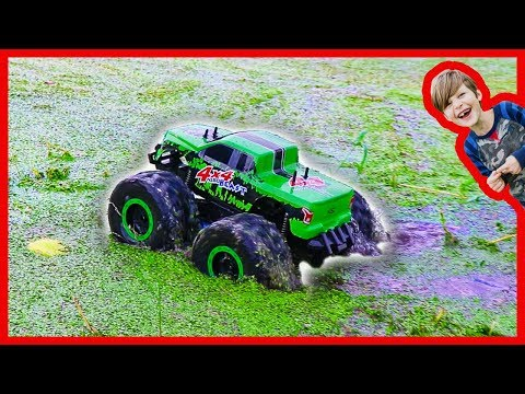 Thumbnail: RC Monster Truck Really Rides on Water!