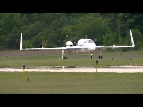 [EXTREMELY RARE] Beechcraft Starship landing at Harbor Springs Airport [N514RS]