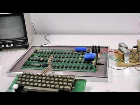 Original Apple 1 setup - demo of a working piece of history