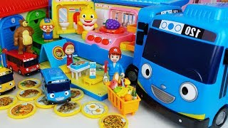 Baby doll food cooking and camping bus car toys play house story - ToyMong TV 토이몽