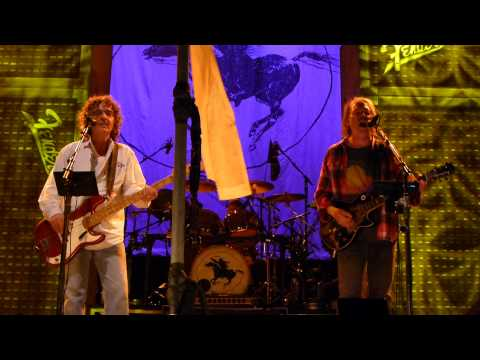 Neil Young, Crazy Horse - Walk Like A Giant - Madison Square Garden, New York NY US - center rail HD