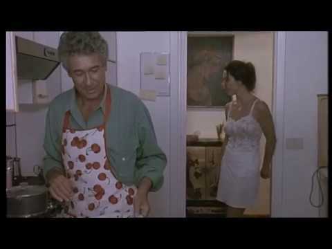Mutande Pazze (film) 1992 – Monica Guerritore strip tease