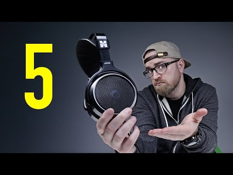 5 Reasons Headphones Are Better Than Earphones