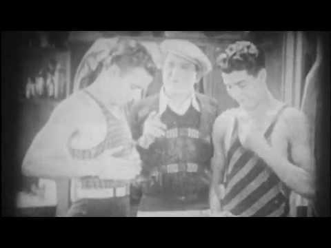 A l'eau, à l'eau! The Collegians Georges J. Lewis Dorothy Gulliver Splashing Through
