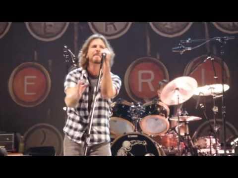 Pearl Jam - Scottrade Center, St. Louis, 05.04.2010