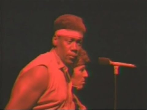 Hilarious Performance Bruce Springsteen & Clarence Clemons - Fire