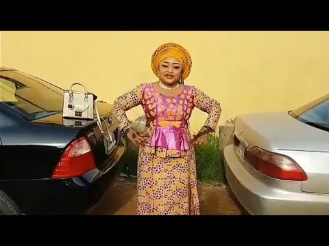 Download Kalli Fitacayar Mawakiyar Hausa Na Rawar Maryam Bakase