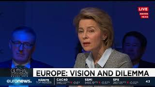 Zapętlaj EU-Politiker diskutieren über die Zukunft Europas | euronews (deutsch)