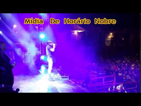 Despedida no palco de Cristiano Araújo Em Um Show