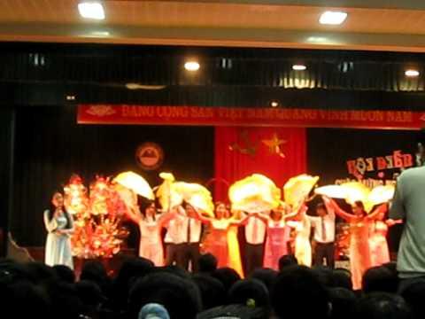 Truong THPT Dan Toc Noi Tru Thanh Hoa!