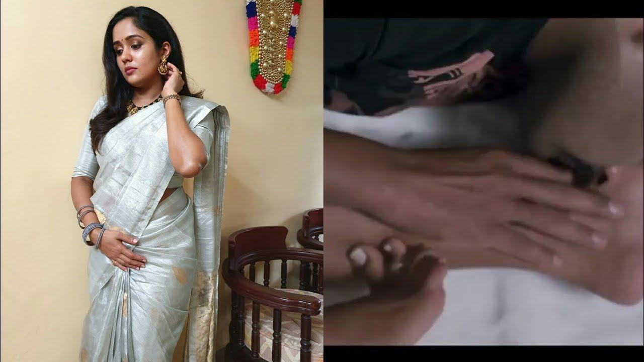 Mallu Actress Ananya Hot Bedroom Romance Feet Kiss And Youtube