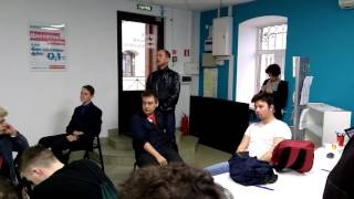 Сторонник путина пришел в штаб Навального в Казани