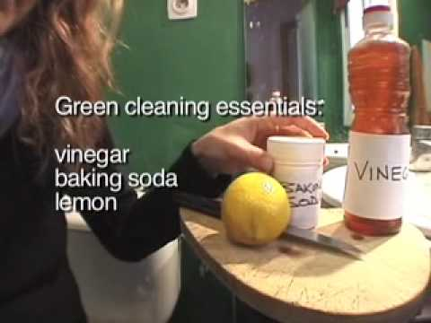 green-cleaning-demo-with-baking-soda,-vinegar-&-lemon